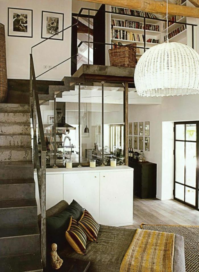1-cuisine-sous-escalier-aménagement-sous-escalier-escalier-gris-peintures-murales
