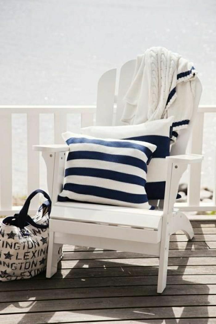 1-décoration-marine-idée-originale-de-style-marin-chaise-pour-la-terrasse-marine-décoration-marine