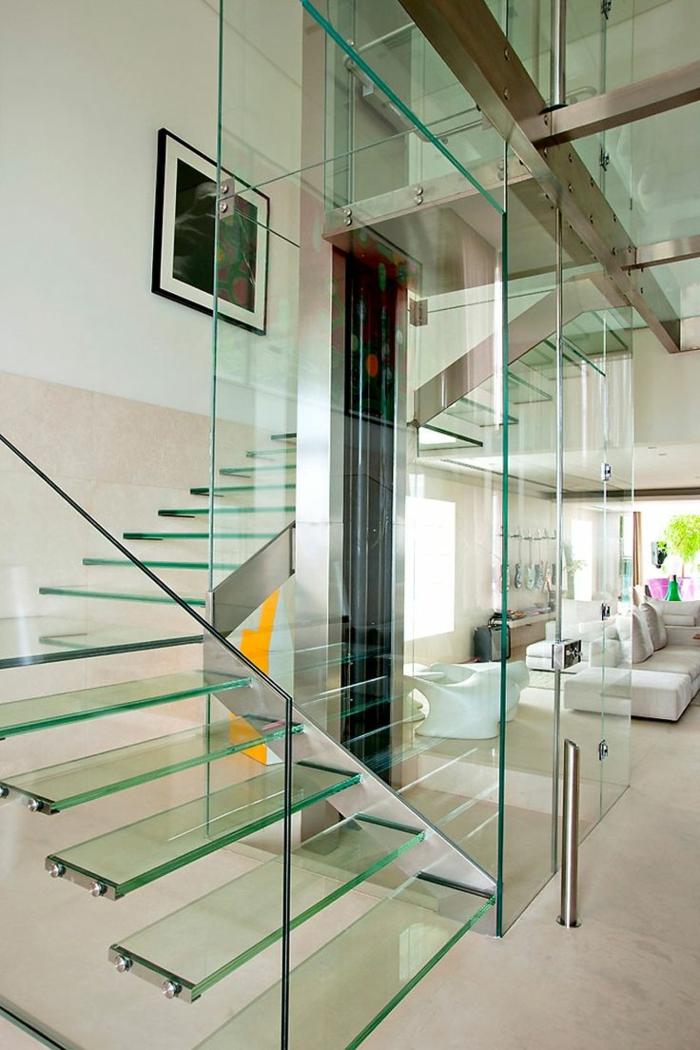 1-escalier-en-verre-plancher-en-verre-maison-en-verre-transparente-idée-insolite