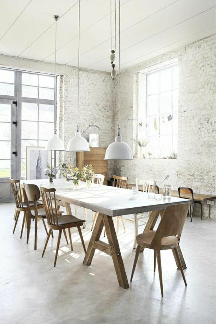 1-la-plus-belle-table-en-marbre-blanc-lustre-blanc-mur-de-pierre-blanc-fleurs-chaises-en-bois