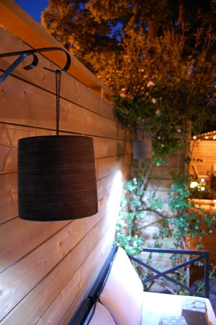 1-lampe-pour-votre-cour-moderne-canapé-luminaire-exterieur-eclairage-exterieur-solaire