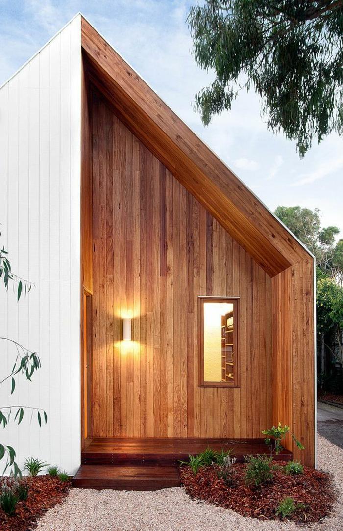 1-luminaires-extérieurs-maison-en-bois-cailloux-blancs-jardin-éclairer-la-maison-en-bois