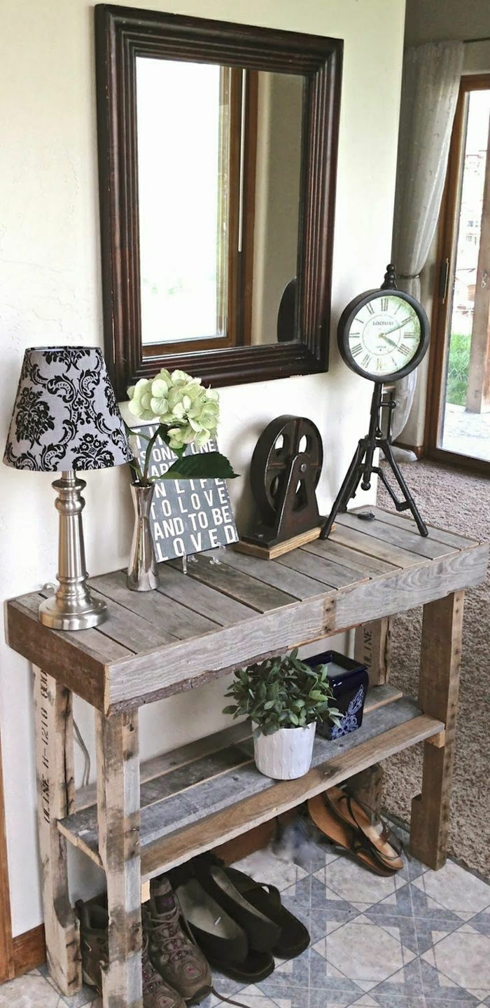 1-meuble-chaussure-ikea-console-bois-lampe-fleurs-miroir-d-entrée-moquette-beige