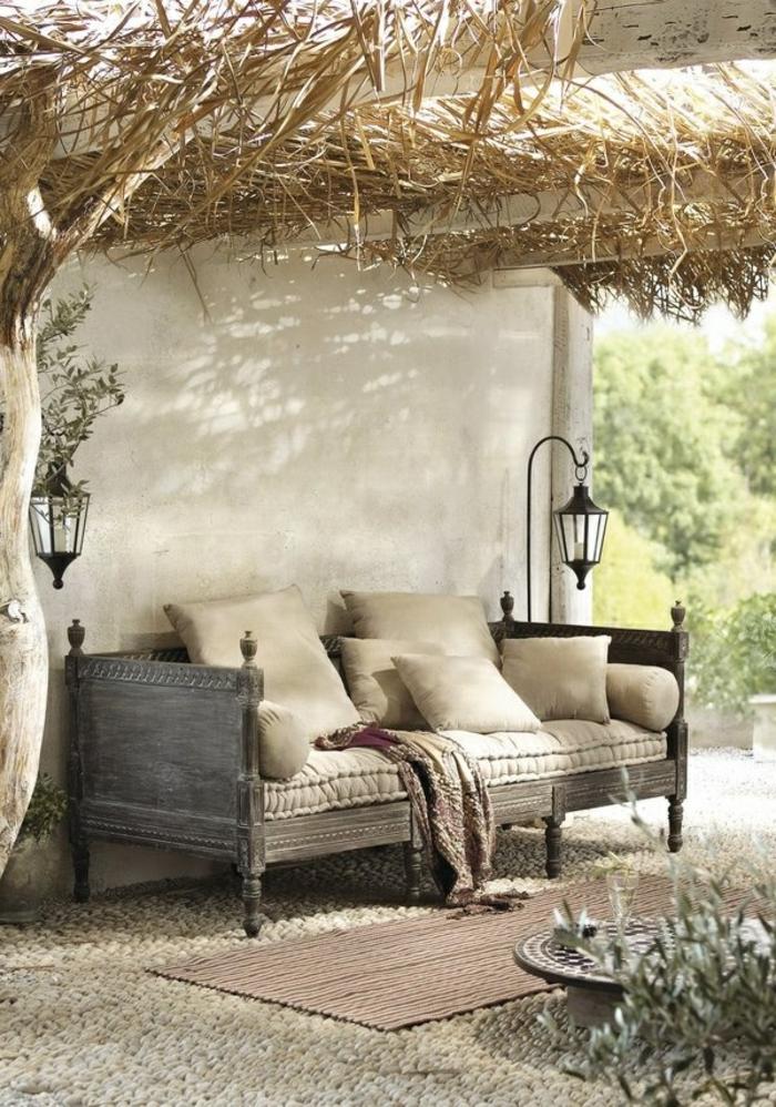 1-meuble-rustique-aménagement-moderne-de-style-rustique-pour-votre-cour-contemporain