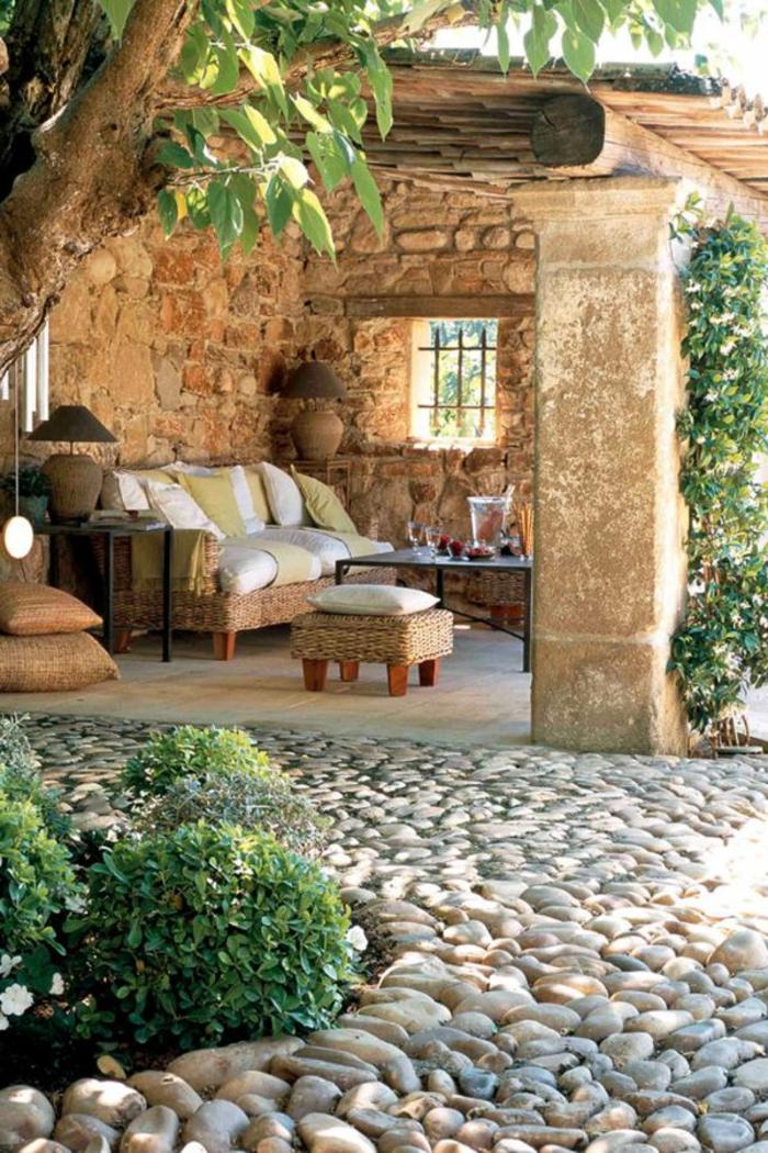 1-meubles-rustiques-table-rustique-pour-le-jardin-aménagement-de-jardin