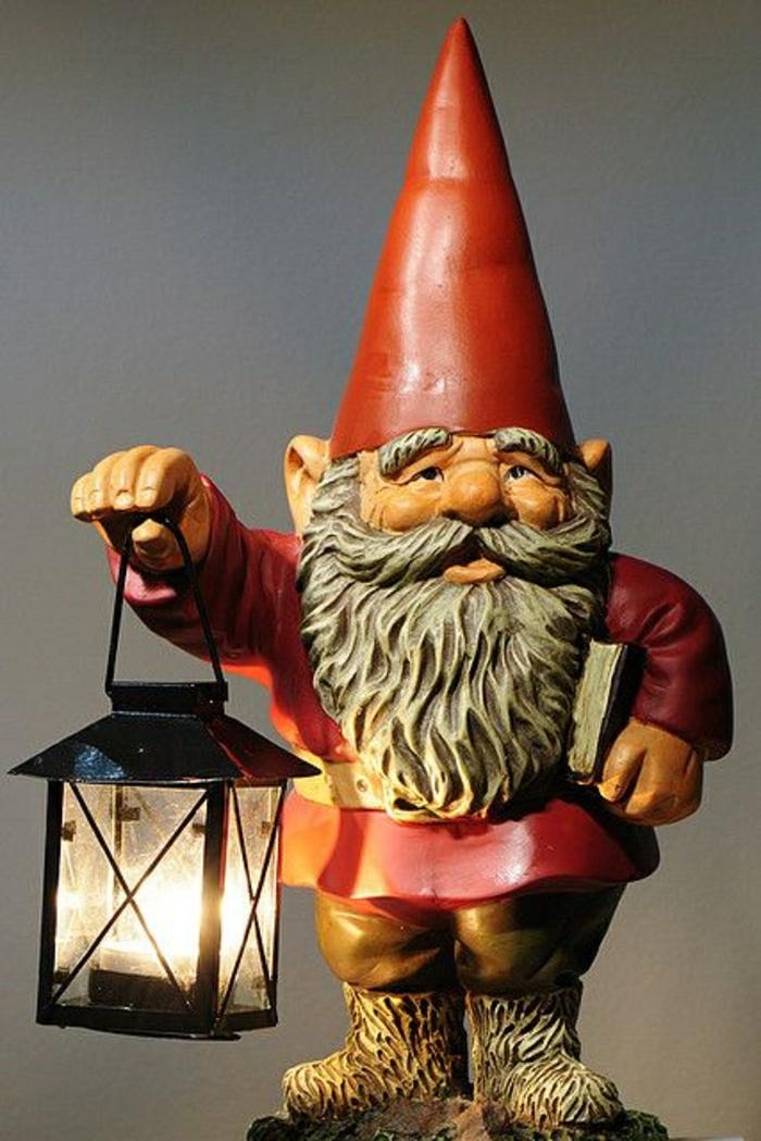 1-nain-de-jardin-statues-de-jardin-idée-chapeau-rouge-lampe-en-fer