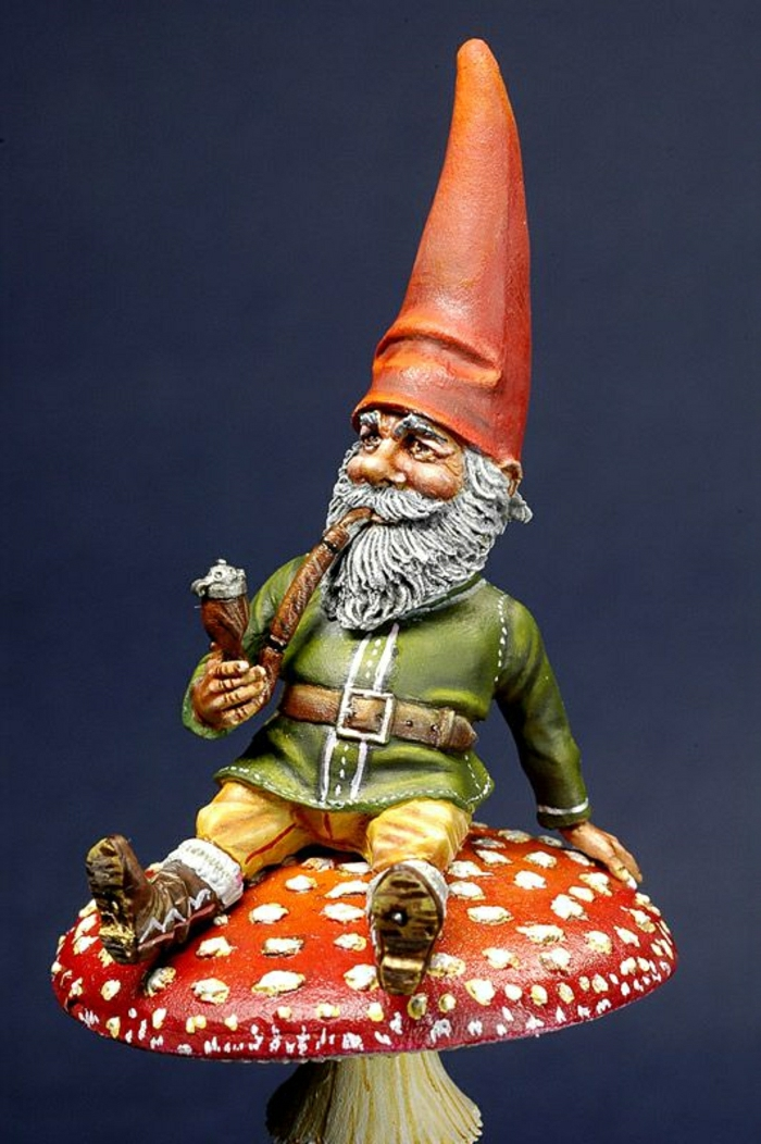 1-nains-de-jardin-statues-de-jardin-idée-chapeau-rouge-champignon