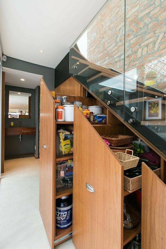 1-placard-sous-pente-aménagement-sour-les-escalier-rangement-sous-escalier