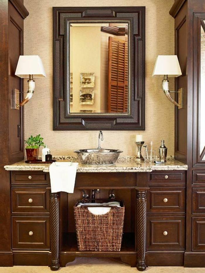 1-salle-de-bain-rétro-meubles-en-bois-foncé-miroir-décoration-salle-de-bain