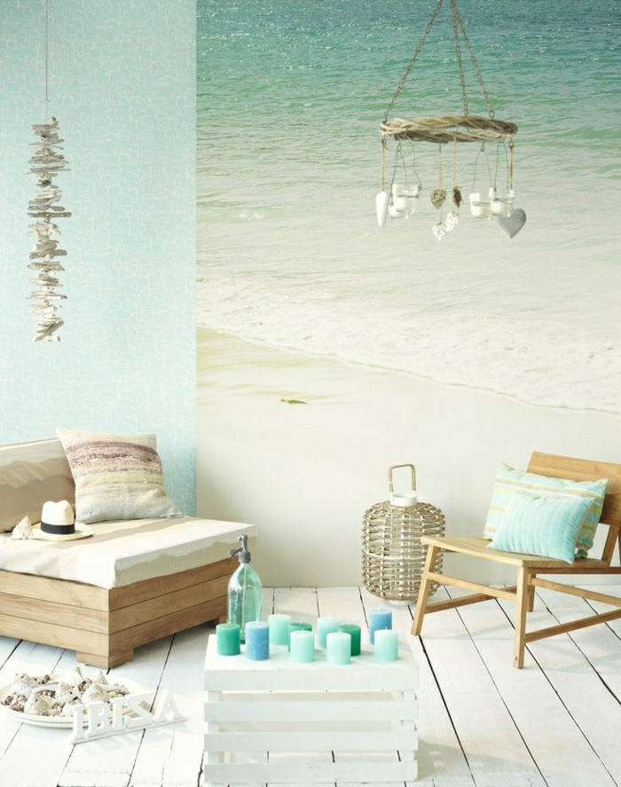 1-salon-aménagement-couleur-turqoise-table-basse-de-salon-palette-décoration-murale-mer