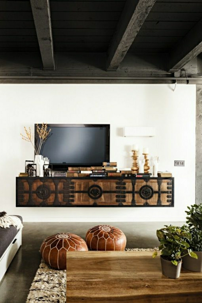1-salon-design-moderne-sol-en-lin-noir-mur-blanc-tv-noir-plafond-noir-meuble-télé-rustique