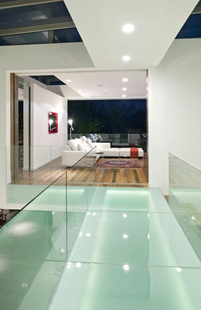 1-sol-en-en-verre-plancher-verre-carrelage-de-verre-idée-insolite-maison-en-verre