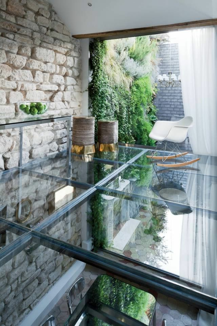 Ground floor coat racks and slate on pinterest for Chaise en verre transparente