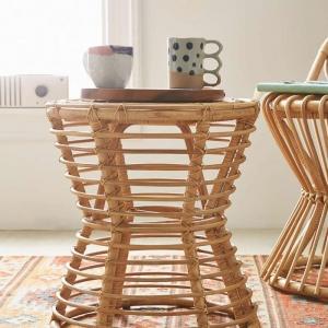 Les meubles en rotin sont convenables pour l'intérieur aussi que pour l'extérieur!