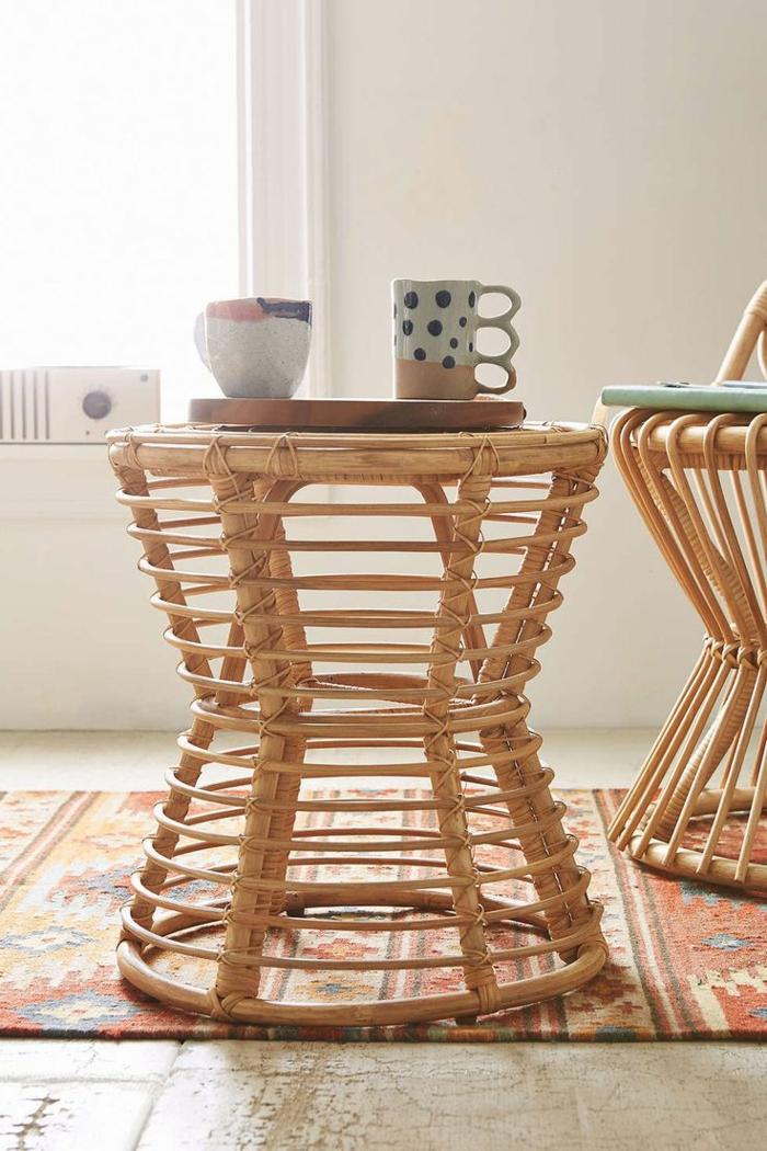 1-table-basse-de-salon-en-bois-meubles-en-rotin-tapis-coloré-design-rotin