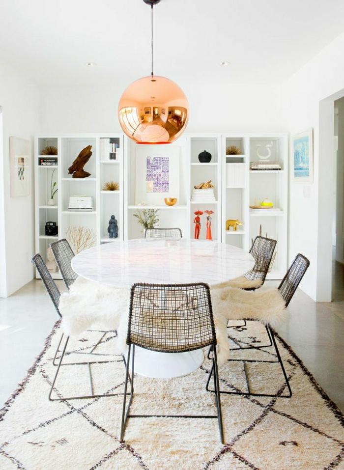 1-table-de-cuisine-en-marbre-chaise-en-fer-forgé-pour-la-salle-de-séjour-lustre-boule