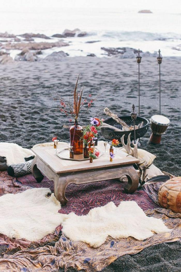 1-table-de-pique-nique-table-basse-de-plage-table-en-bois-tapis-sur-la-plage