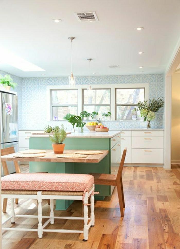 1-table-haute-de-cuisine-bar-de-cuisine-blanc-cuisine-verte-sol-parquet-lustre-plante-verte