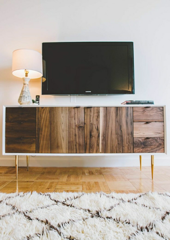 1-tapis-beige-parquet-ancien-meuble-tv-design-meuble-tele-en-bois-led
