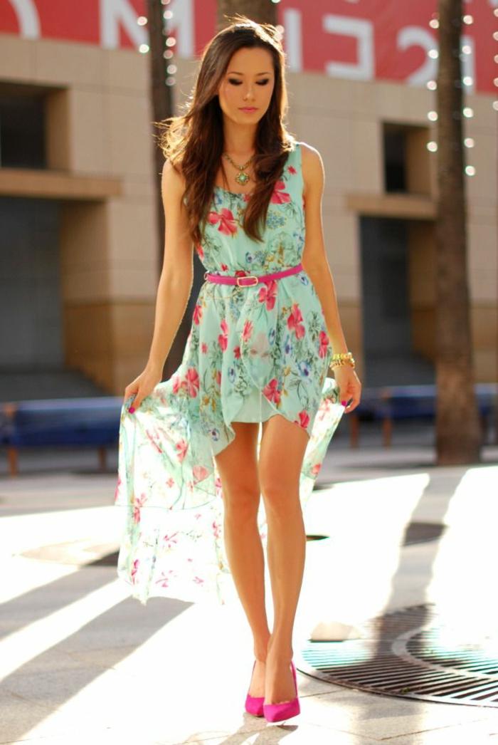1-une-belle-femme-brunette-robe-naf-naf-robe-habillée-robe-colorée