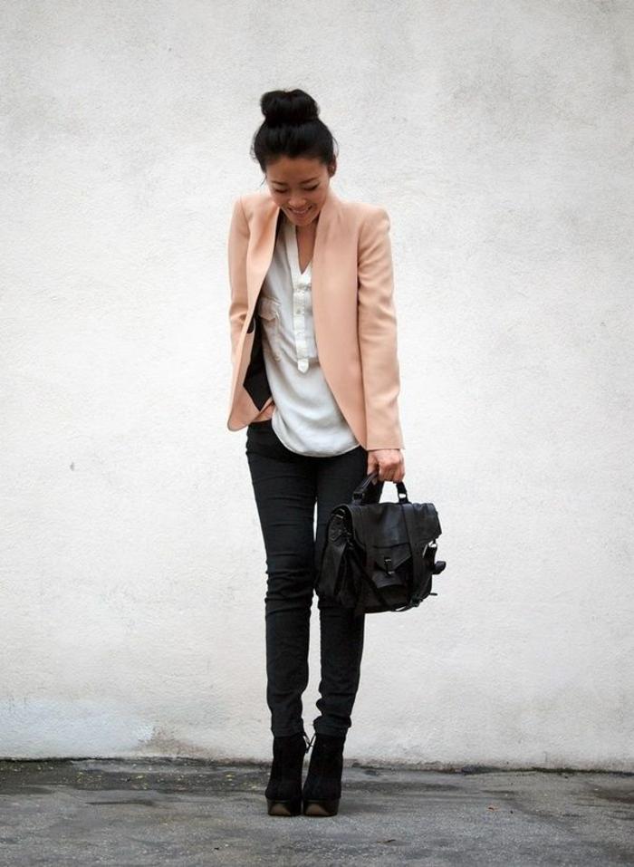 1-veste-en-daim-rose-fille-pantalon-long-noir-chemise-blanche-élégante-blanche