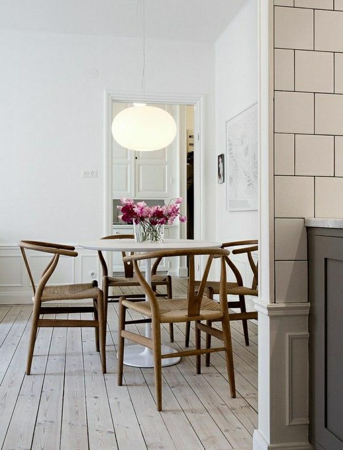 Une Table Tulipe Pour Votre Intérieur Moderne