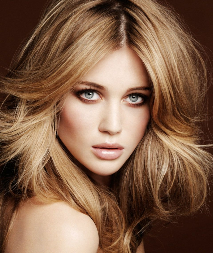 3-couleur-de-cheveux-caramel-blonde-modele-belle-