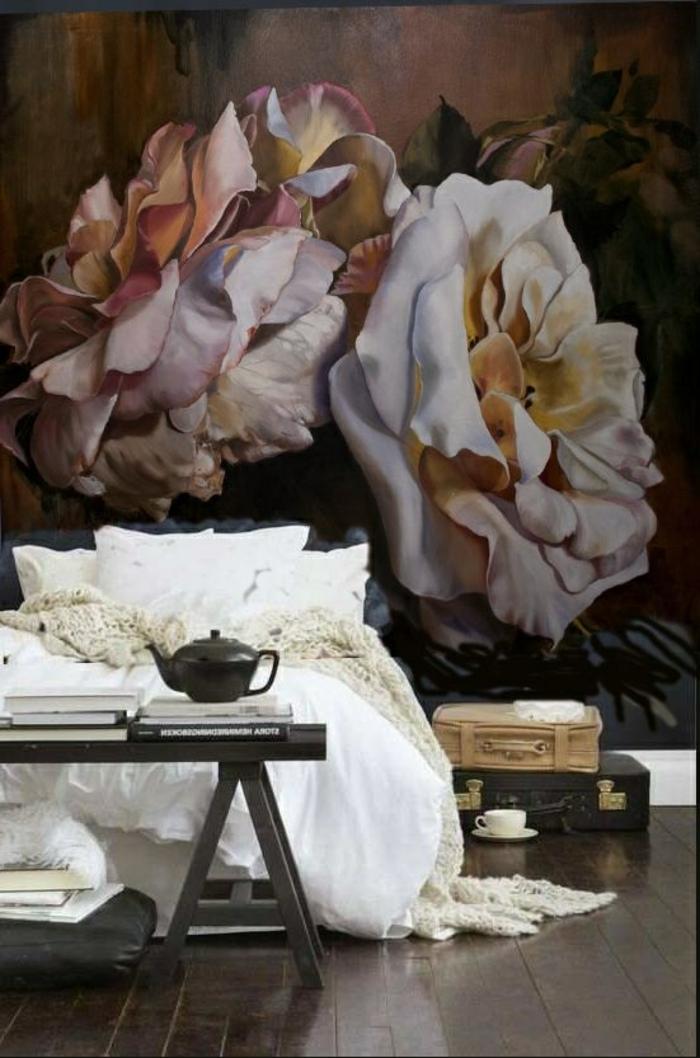 Ambiance-romantique-pour-votre-chambe-coussins-lit-papier-peinte-roses