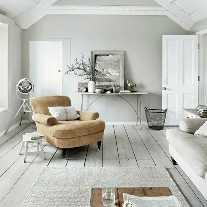 Appartement-lux-style-couleurs-caramel-salon-blanc-accent-beige-fauteuil