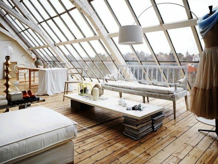 Appartement-romantique-toit-fenêtres-beaucoup