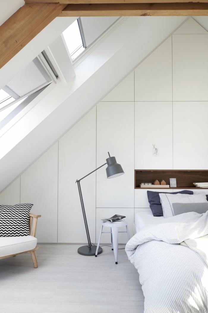 Belle-vue-d'un-fenêtre-de-toit-velux-chambre-à-coucher