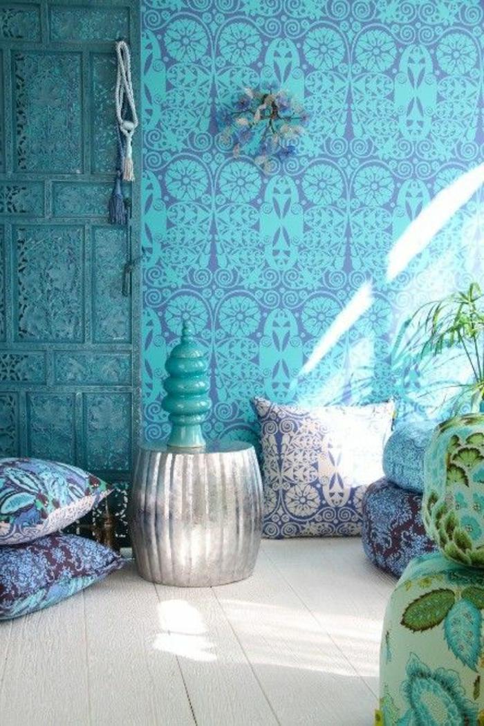 Bleu-claire-pour-la-déco-de-ma-chambre-les-coussins-mur