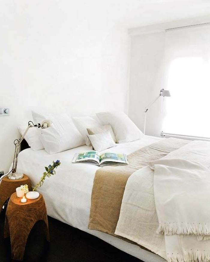Caramel-chambre-meuble-mur-couleur-lit-coussins