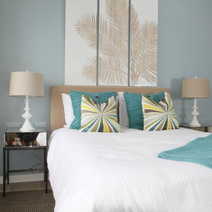 Chambre-à-coucher-aigue-marine-lit-coussins