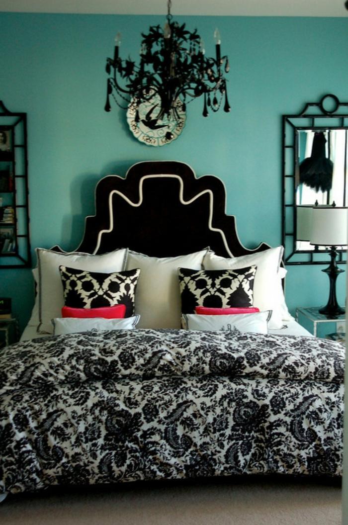 Chambre-à-coucher-aigue-marine-tete-de-lit-originale