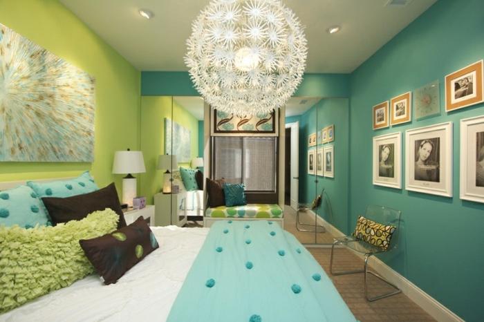 Chambre-à-coucher-aigue-marine-vert-et-bleue-lustre-ikea
