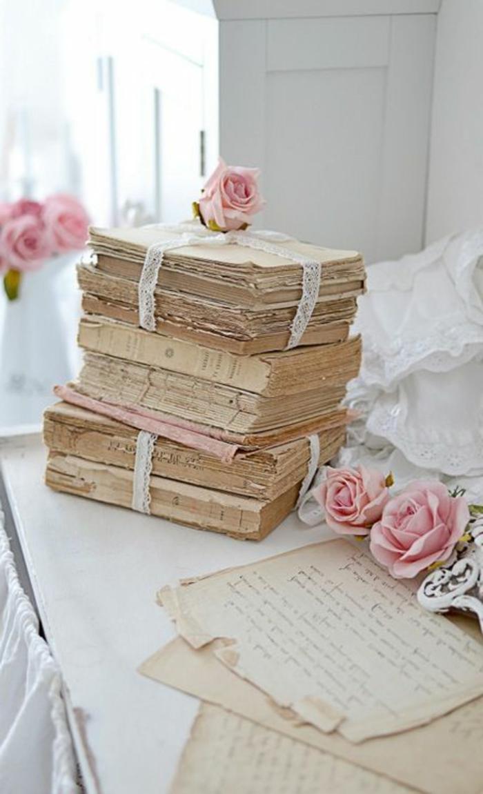 Chambre-à-coucher-romantique-déco-roses-livres