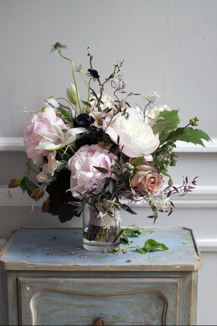 Chambre-à-coucher-romantique-déco-belles-fleurs-pivoines