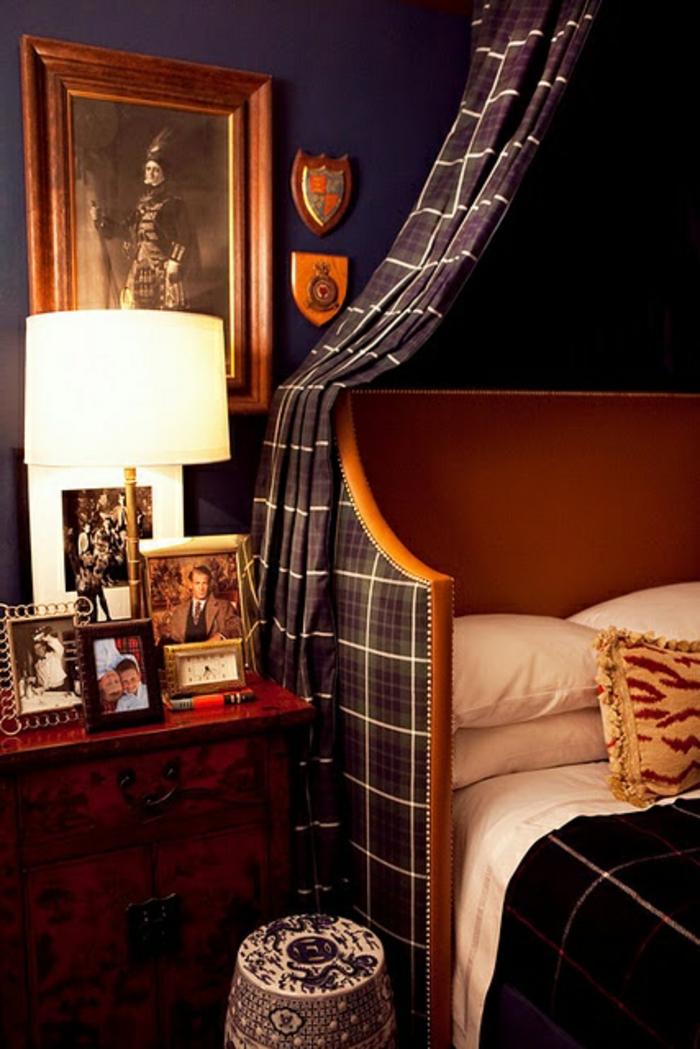 Couleur-caramel-sur -murs-et-mobilier-chambre-a-coucher