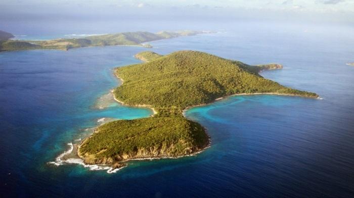 Flamenco-Beach-Culebra-Puerto-Rico-l-ile-culebra-belles-plages-resized