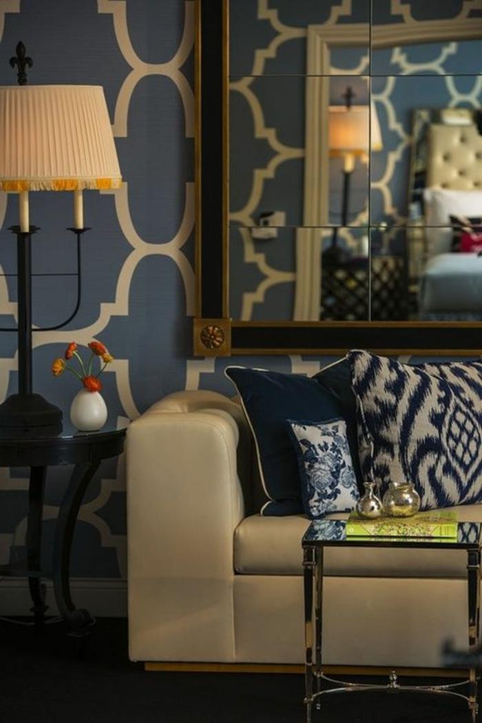 60 id es comment adopter la couleur caramel la maison for Miroir au dessus d un canape