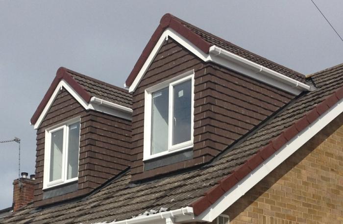 Idée-extérieur-maison-lucarne-deux-fenetres-de-toit