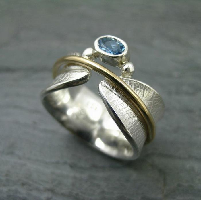 La-bague-pierre-precieux-bleu-originale