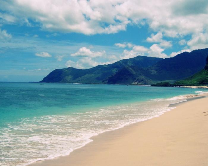 Lanikai-Beach-Kailua-Hawaii-plus-belles-plages-du-monde-montagne-mer-et-sable-resized