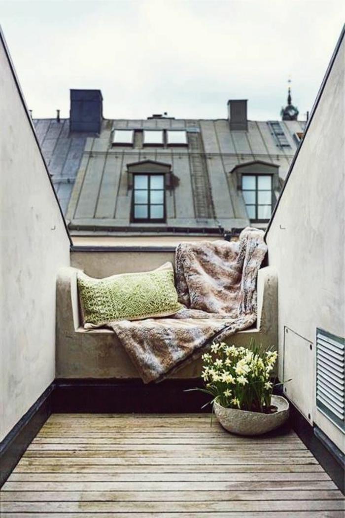 Maison-avec-fenetre-sur-le-toit-terasse-à-paris
