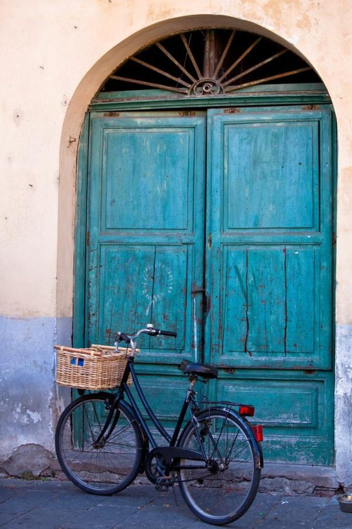 Porte-d-entrer-aigue-marine-couleur-byciclette