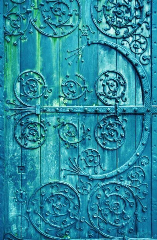 Porte-d-entrer-aigue-marine-couleur-jolie-details