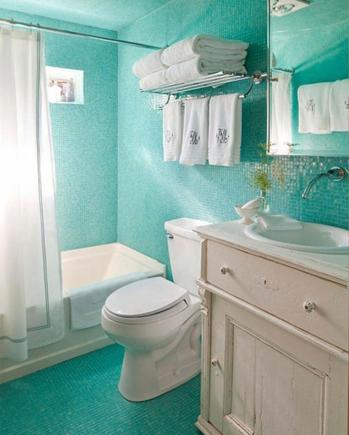 Salle-de-bain-aigue-marine-zen-baignoire-vasque-originale