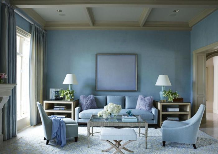Salle-de-séjour-à-la-couleur-aigue-marine-violet