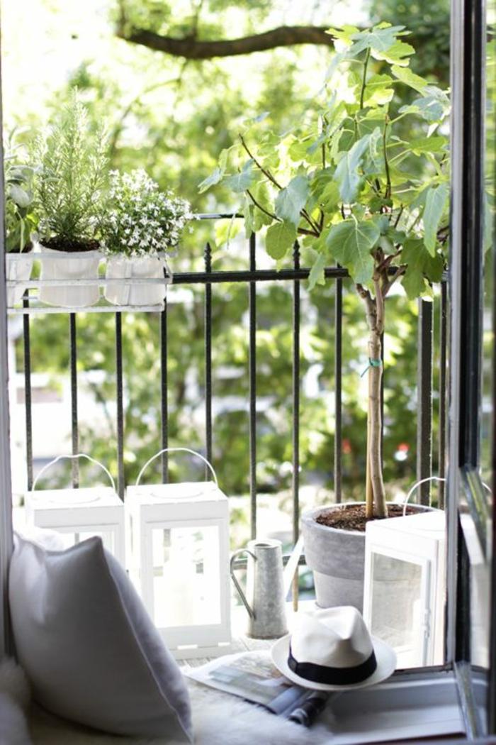 amenagement-de-terrasse-deco-terrasse-en-ville-belle-vue-fer-noir-canapé-de-tarrasse